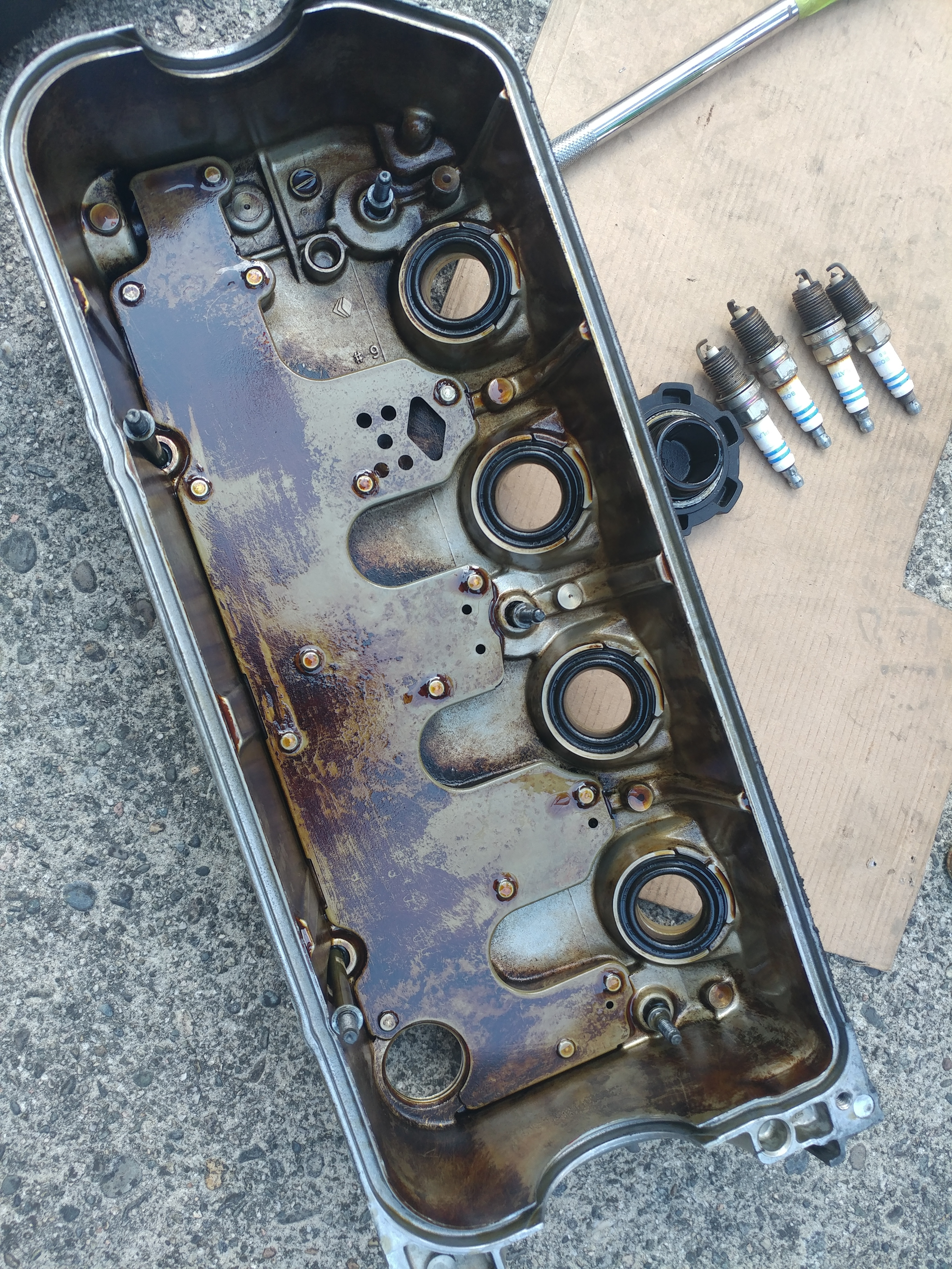 valve cover gasket and spark plugs replacement