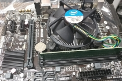 new desktop build (motherboard)