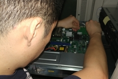 USB 3.0 card install, working inside of a rack server